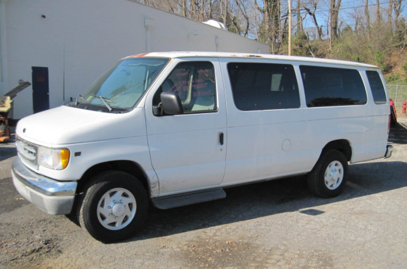 2000 Ford Ecoline E-350 Commercial Van